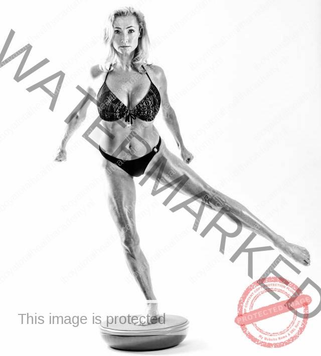 foto-iboya-op-bosu-iboyatraning-personal-training-resized